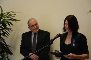 Céline Delort, décorée de la médaille de Chevalier de l'Ordre National du Mérite